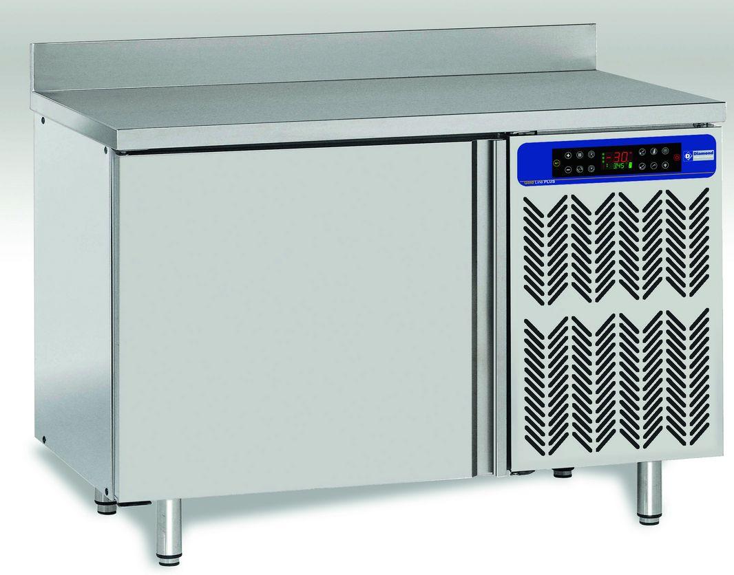 Munkaasztalba integrált sokkoló hűtő-fagyasztók