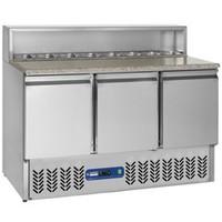 380 literes hűtött pizzaelőkészítő munkaasztal 8*GN 1/6-os feltéthűtővel, gránit fedlappal, 3 ajtóval, GN 1/1-es belmérettel, +4/+10°C