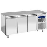 405 literes hűtött munkaasztal, 3 ajtós, GN 1/1-es belmérettel, -2/+8°C