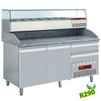 312 literes hűtött pizzaelőkészítő munkaasztal, GN 1/3 osztású feltéthűtővel, gránit fedlappal, 2 ajtóval és 2 fiókkal, 600x400 mm-es