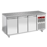550 literes hűtött munkaasztal cukrászati és sütőipari célra, gránit fedlappal, 3 ajtóval, 600*400 mm-es belmérettel, -2/+8°C