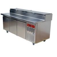 550 literes hűtött pizzaelőkészítő munkaasztal, 10x GN 1/3-os feltéthűtővel, +2/+8°C