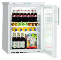 141 literes pult alá helyezhető hűtő, ventilációs hűtéssel, üveg ajtóval