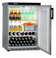 180 literes, pult alá helyezhető hűtő, ventilációs hűtéssel, teli ajtóval