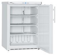 143 literes pult alá helyezhető mélyhűtő, statikus hűtéssel, teli ajtóval