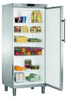 586 literes hűtő, ventilációs hűtéssel, teli ajtóval